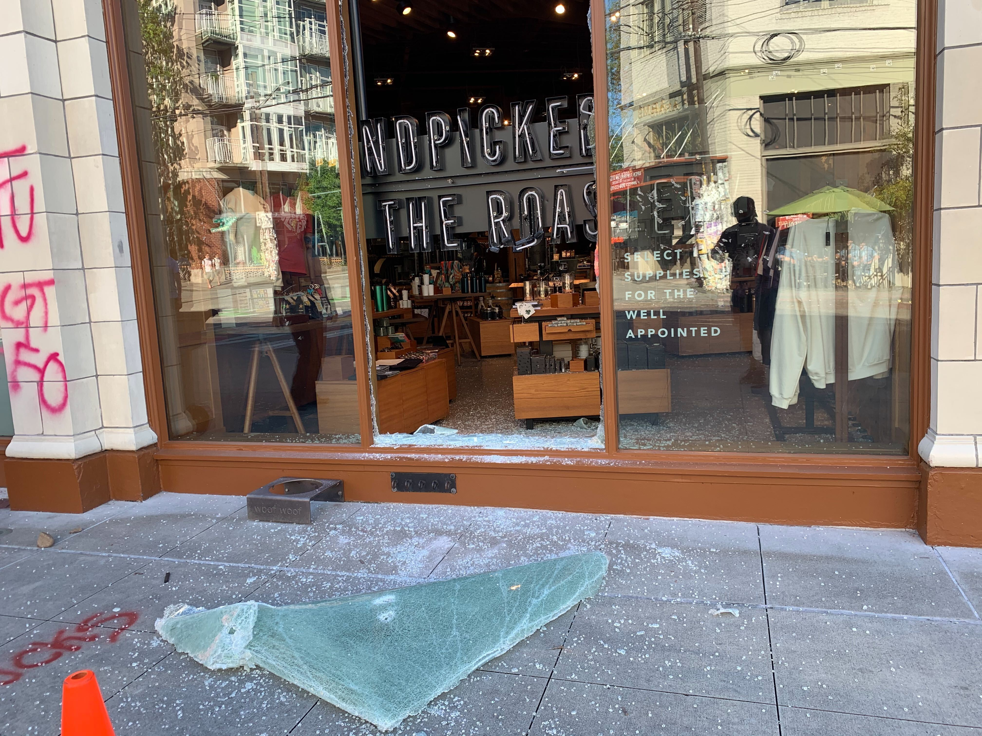 Not Peaceful Protests 12 Officers Injured In Seattle Riots Sunday